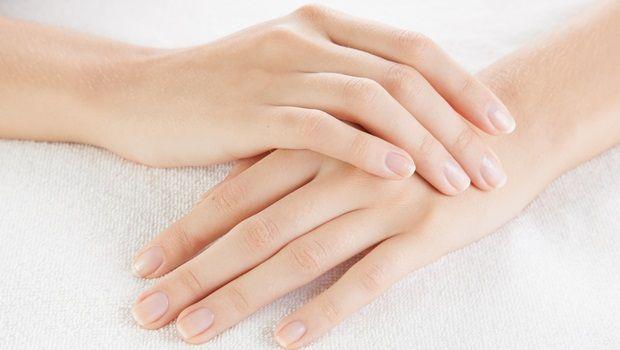 vitamina E para a pele - suavizar as mãos ásperas e secas