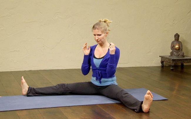 poses de ioga para SOP - moinho de agitação representam (ou chakki chalanasana)