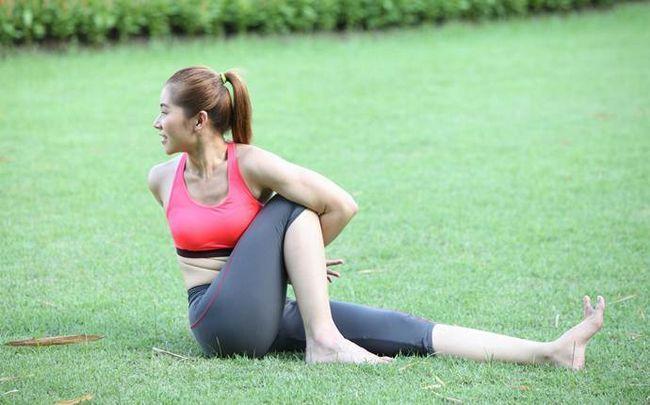 poses de ioga para a ciática - em pé de torção
