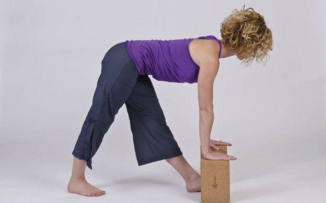 poses de ioga para a ciática - modificado pirâmide