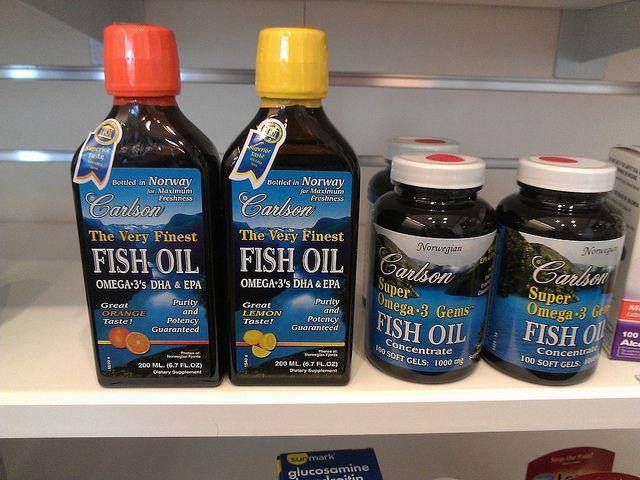 Óleo de peixe ou peixe para perder gordura da barriga