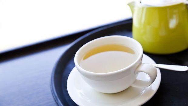 receitas de chá de açafrão - chá de açafrão com uma torção