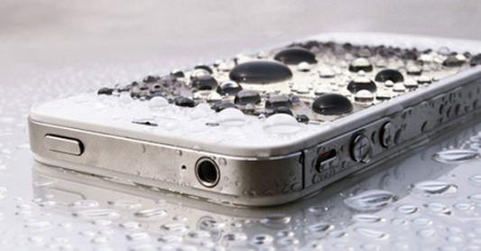 Como salvar um celular molhado?