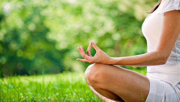 como tratar a psoríase-yoga